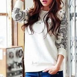 Loose round neck long-sleeved T-shi..
